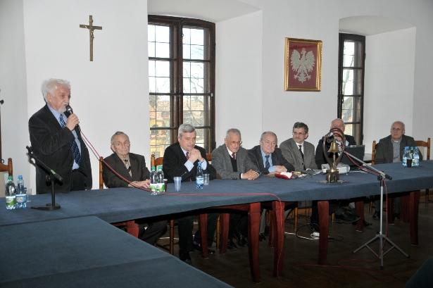 Galeria Pożegnanie prof. dr hab. Henryka Samsonowicza (23 I 1930–28 V 2021)
