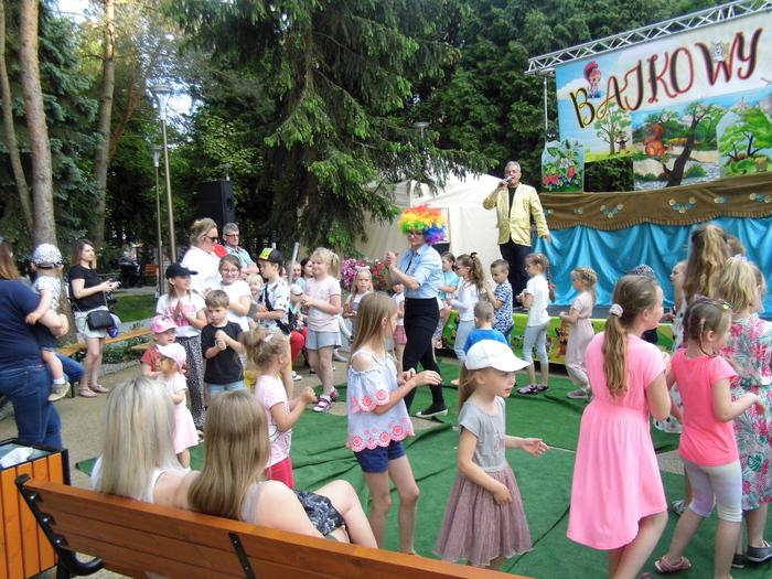 Galeria Baśniowy Ogród z Teatrem Lalek Pinokio