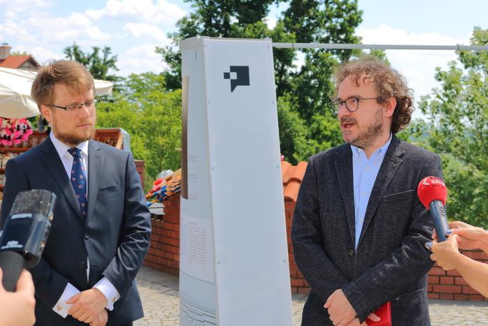 Galeria Wernisaż wystawy HETMAN na Dziedzińcu Zamku Królewskiego w Sandomierzu