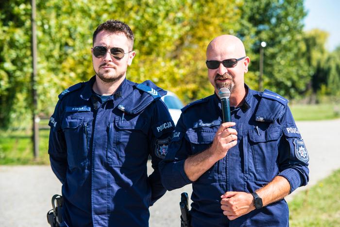19. Policjanci opowiadają o bezpieczeństwie dzieci