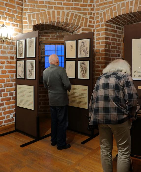 """Galeria """"Norwid-Rostworowska. Emancypacja kobiet"""""""