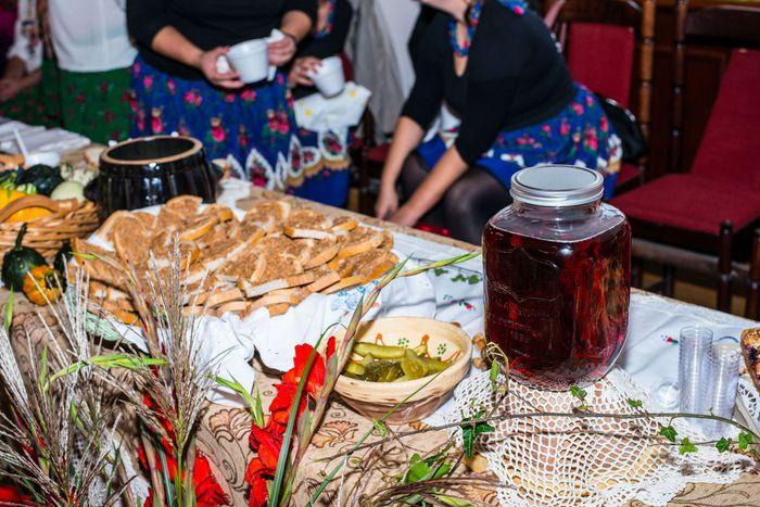 04. Ustawione na stole potrawy z kaszy
