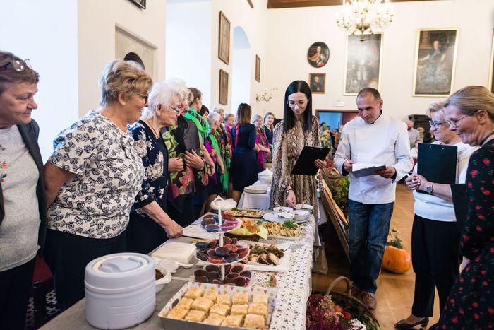 30. Komisja Jury smakuje potraw przygotowanych przez każdą z gmin