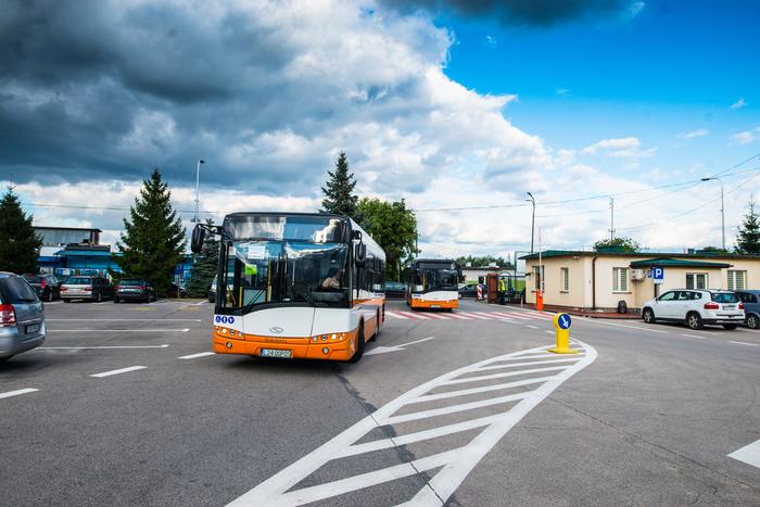 001. Nowe autobusy w bazie Zakładu Komunikacji Miejskiej