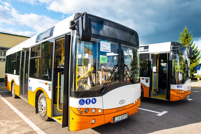 06. Nowe autobusy w bazie Zakładu Komunikacji Miejskiej