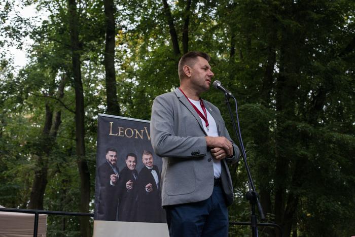 burmistrz Sandomierza wygłasza przemówienie