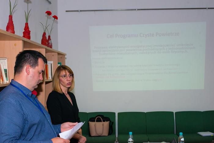 08. Pracownicy sandomierskiego punktu informacyjno-konsultacyjnego opowiadają o programie Czyste Powietrze