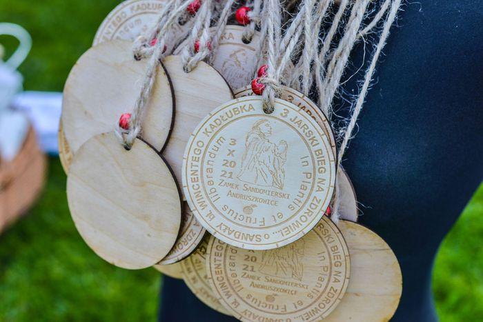 01. Medale za uczestnictwo w biegu