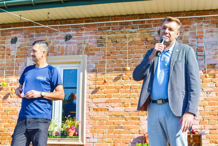 41. Marcin Marzec wygłasza przemówienie