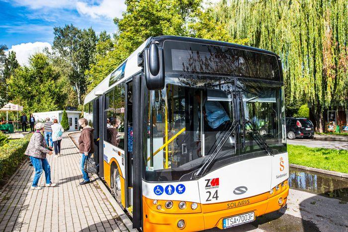 06. Nowy miejski autobus na zajezdni