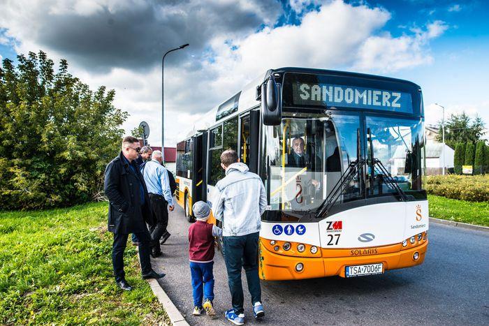 07. Nowy miejski autobus na zajezdni