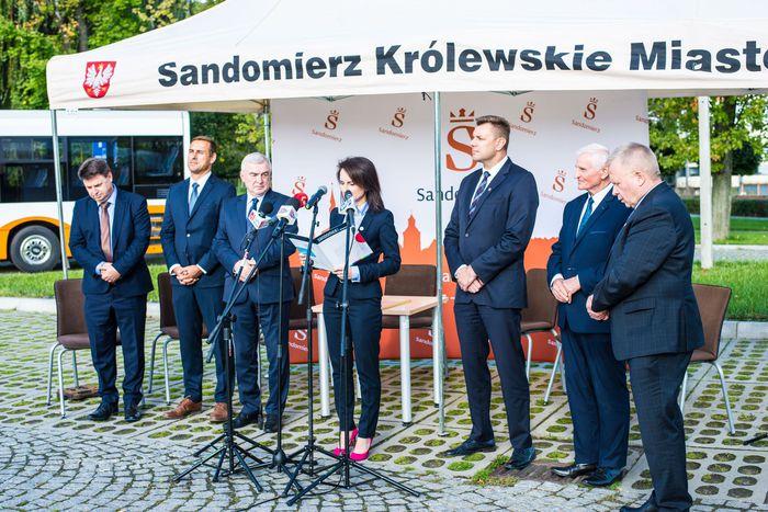 14. Angelika Kędzierska wygłasza przemówienie